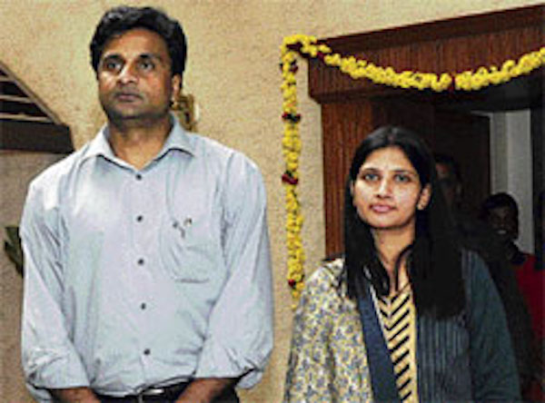 Javagal srinath and his wife