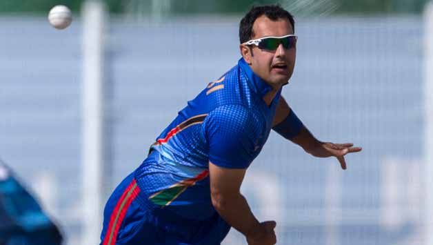 Mohammad Nabi bowling