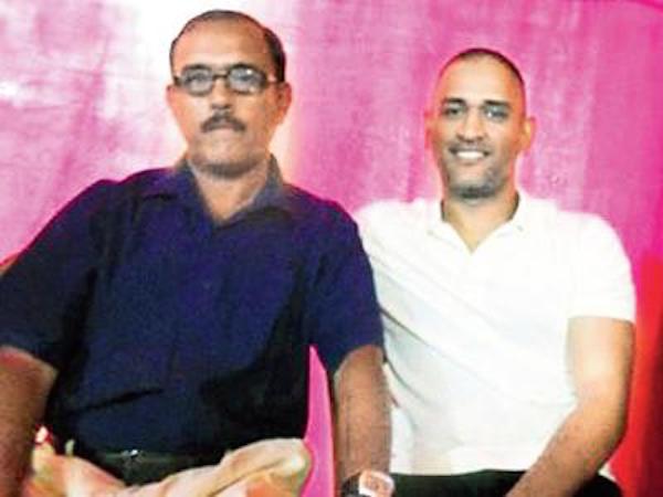 MS Dhoni with Keshav Banerjee