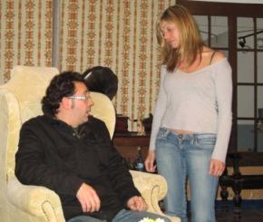 Pepe Martínez (Sr. Wren) i Anna Marín (Sr. Ralston)