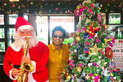 Cricketers around the world celebrate Christmas 3