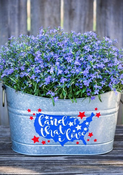 Decor idea for 4th of July. Planter designed with cricut