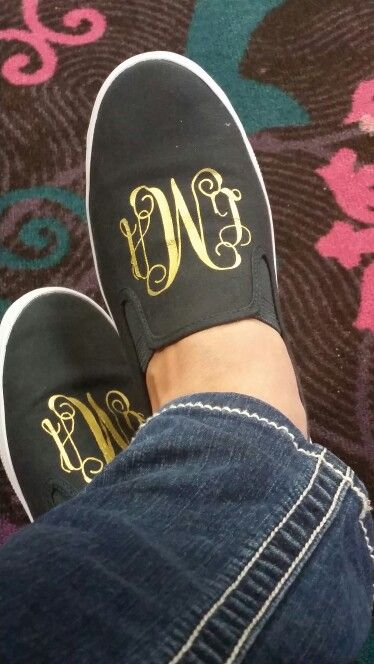 LOVE THESE monogrammed shoes. Can't wait to try this now that I have my cricut