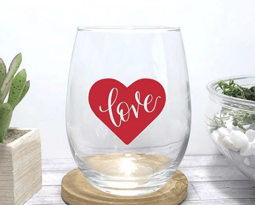 Cute Gal-entine's gift made with cricut, wine glass