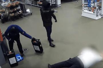 VIDEO: Grote hoeveelheid cash buit bij gewapende overvallen geldlopers Den Haag