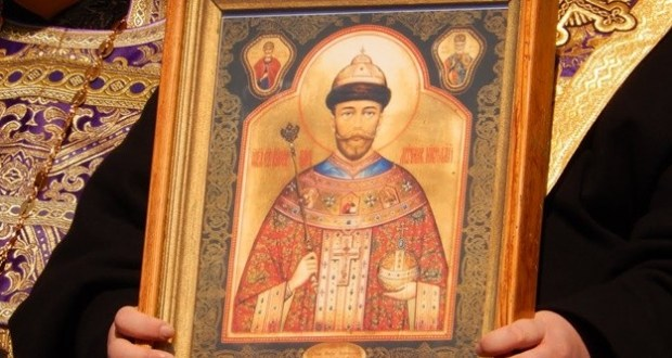 В Симферополь доставлена чудотворная мироточивая икона царя-страстотерпца Николая II