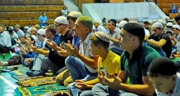 Мусульмане Крыма отметили праздник Ораза-байрам