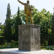 В Судаке вандалы разрушили памятник Ленину