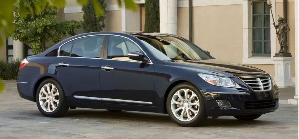 Крымские чиновники не будут ездить на авто за 200 тысяч долларов