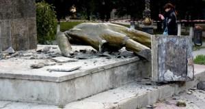 Задержаны вандалы, свалившие Ленина в Судаке