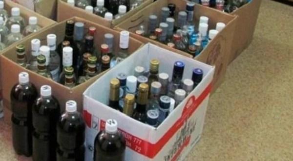 В Алуште нашли 700 литров контрафактного вина и коньяка