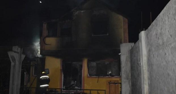 Ночной пожар в Севастополе. Двое людей погибло