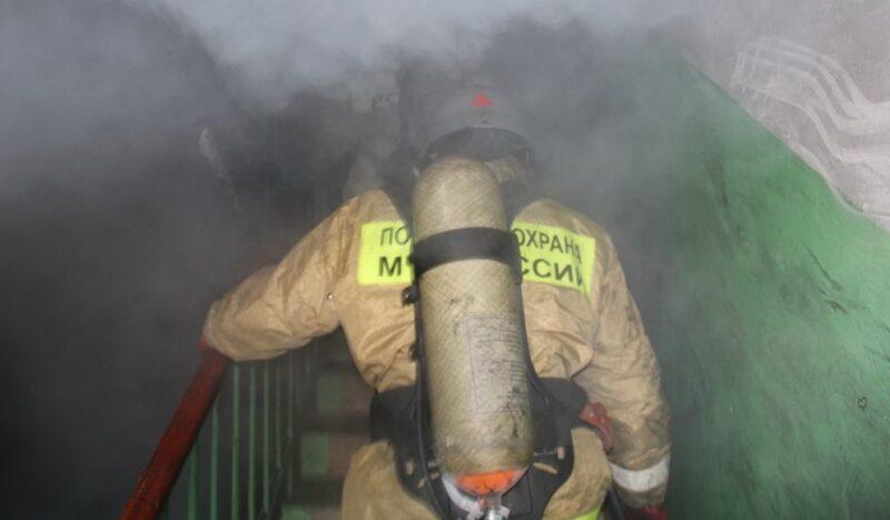 Пожар в Алуште - горела квартира. Эвакуировали четыре человека
