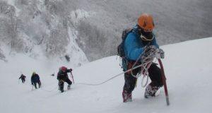 Лёд и снег: спасатели не только работают при любой погоде, но и тренируются