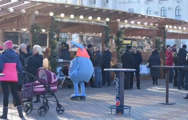 """""""Рождественские каникулы"""" в Симферополе - гуляния начались!"""