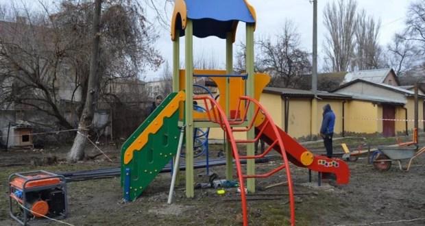 В Феодосии хотят построить дом на месте детской площадки