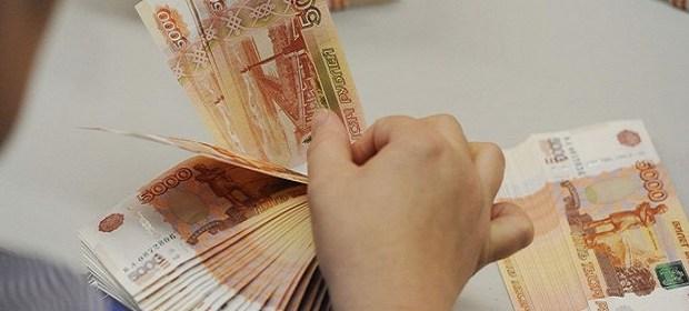 Кассир ломбарда в Нижнегорском украла 100 тысяч рублей