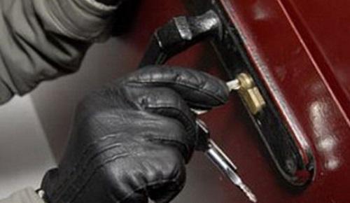 Симферопольские полицейские оперативно вычислили «домушника»