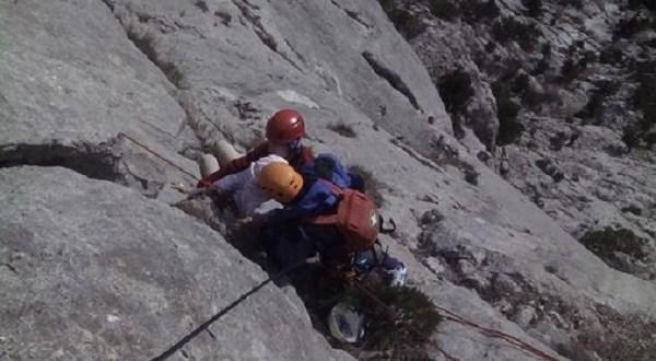 За прошедшие сутки в горах Крыма спасено два человека
