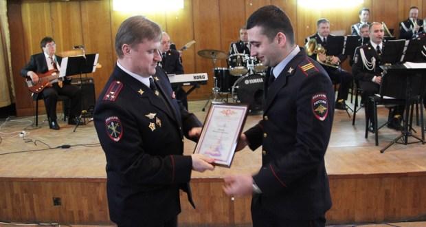 Севастопольский полицейский Максим Яринич спас жизнь девушки
