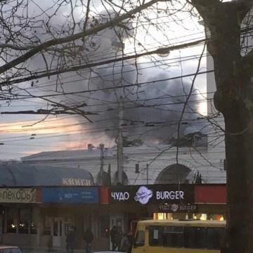 Пожар в Симферополе. 13.02. Фото: ВК