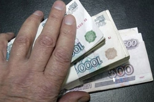 Севастопольские полицейские вернули потерпевшему похищенные деньги