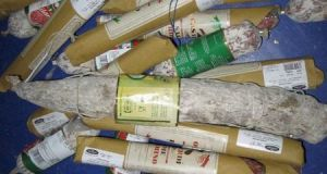 На границе Крыма «завернули» партию сыров и колбасных изделий
