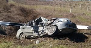 ДТП в Крыму: 21 марта. Водители влетали в люки и деревья