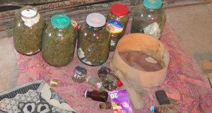 Керченская полиция задержала местного жителя, который хранил наркотики в трехлитровых банках
