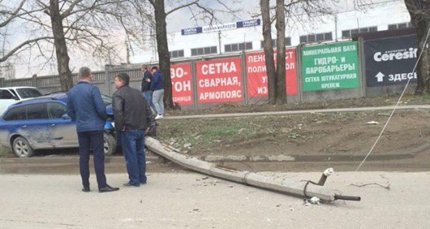 ДТП в Крыму: 27 марта. В Ялте ВАЗ въехал в Skoda, потом в Nissan, затем сбил пешехода и...