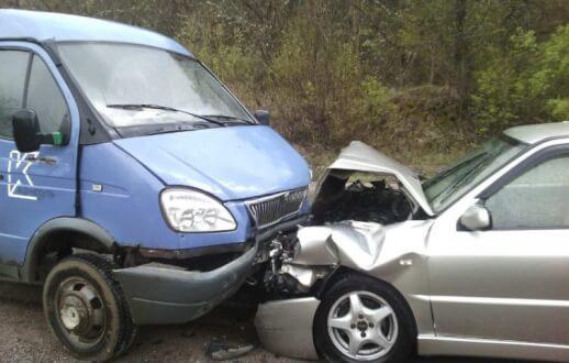 ДТП в Крыму: 24 апреля. Два человека - водитель и пассажир мопеда - в аварии