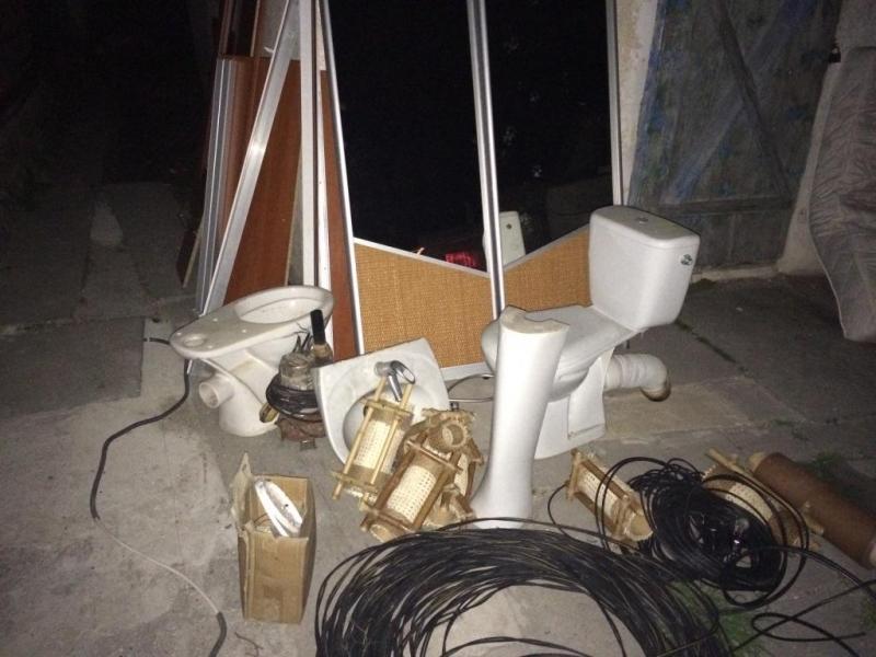 Полиция Евпатории задержала подозреваемого в краже с территории местного частного санатория