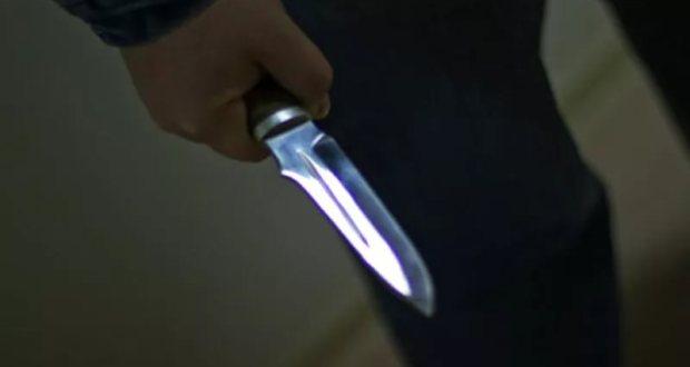"""В Керчи на санитара """"скорой помощи"""" напал пациент - несколько раз ударил ножом"""