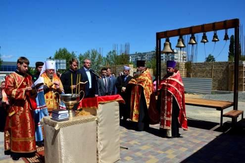 Церемония освящения колоколов