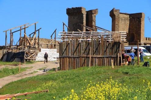 В Судакской крепости строят декорации для съёмок фильма «Вечная жизнь»