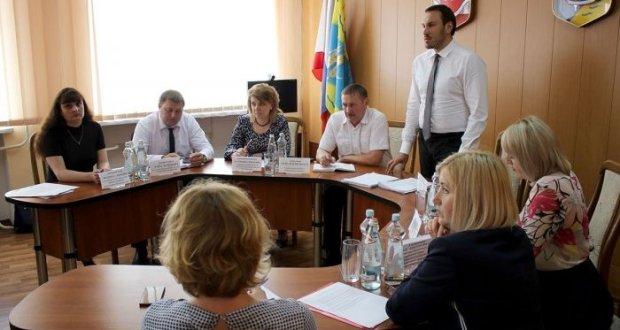 Госкомрегистр РК: муниципалитеты Крыма переходят на электронную подачу документов
