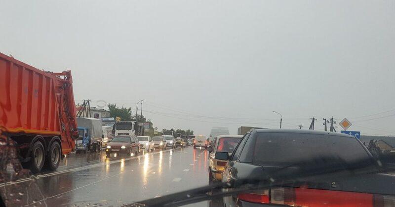 Транспортный коллапс в Симферополе 22 мая: виноваты ливнестоки