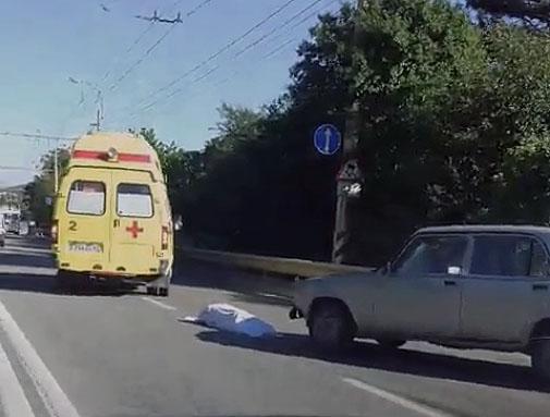"""На трассе """"Симферополь - Ялта"""", в пгт. Пионерском  насмерть сбили женщину-пешехода"""