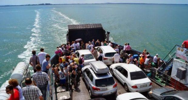 Керченская паромная переправа миллионного пассажира встретит в четверг