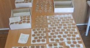 Крымские таможенники изъяли 474 монеты, которые пытались провезти на полуостров