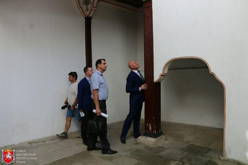 ВХанском замке Бахчисарая полным ходом ведутся противоаварийные работы