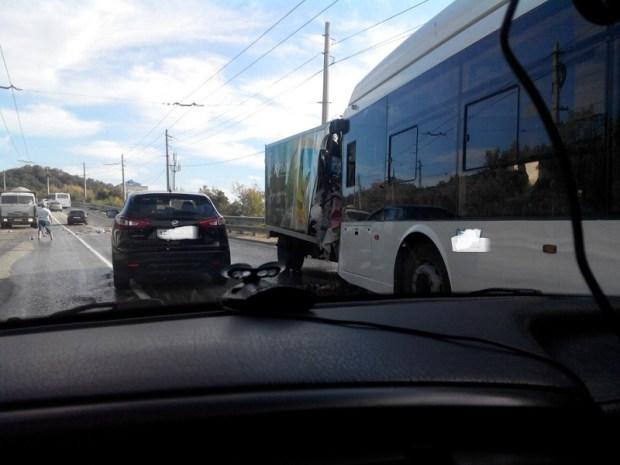 """Лобовое столкновение на трассе """"Симферополь - Ялта"""". Есть пострадавшие"""