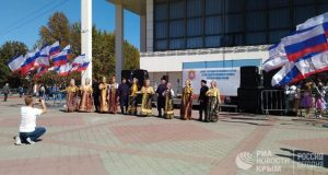 Танцы, выставки и шахматы - Симферополь отмечает День государственного флага и герба Крыма