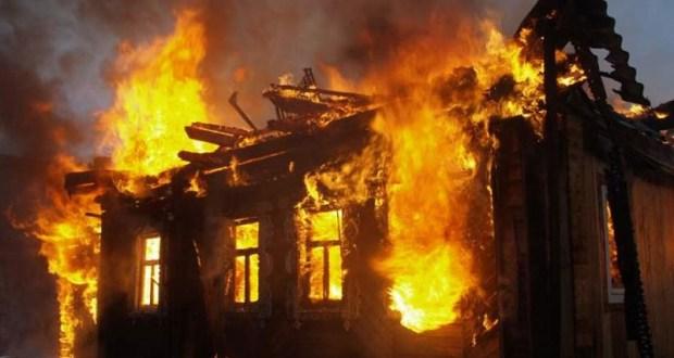 В Крыму за одни сутки на пожарах спасены два человека