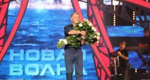 Состоялась премьера песни про Крымский мост. Ее спел Олег Газманов на «Новой волне» в Сочи