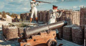 Крымский военно-исторический фестиваль поражает смешением эпох, обилием зрителей, громом канонод