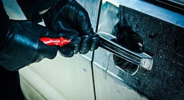 В Симферополе сотрудниками полиции раскрыта серия краж из автомобилей