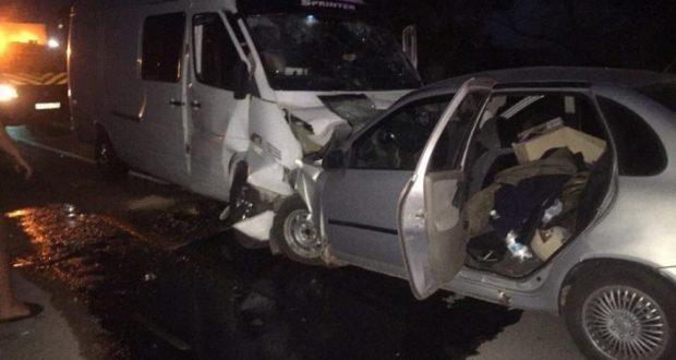 ДТП в Крыму: 21 сентября. Одна авария - две смерти: не разминулись микроавтобус и легковушка