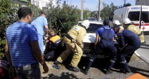 В Феодосии в результате ДТП машина «зажала» пешехода. «КРЫМ-СПАС» помог оперативно