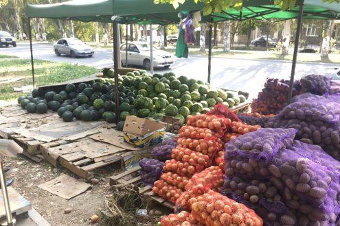 В Симферополе продолжают «войну» с незаконными торговыми точками